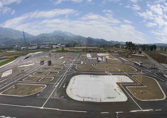 中越自動車学校の最大の自慢は圧倒的な広さの所内コース