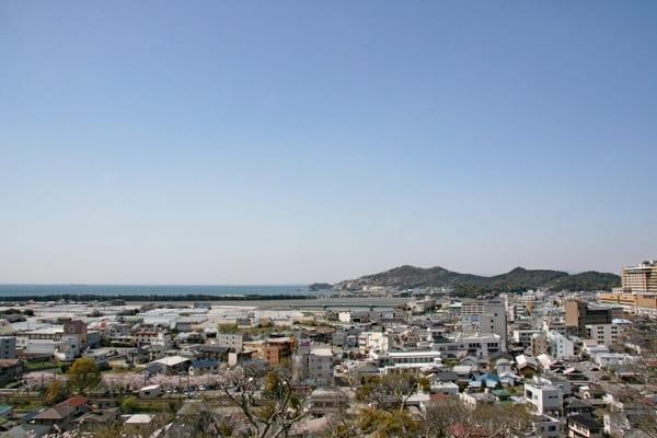 高台から見る和歌山市内