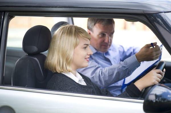 運転免許はマニュアルっていうのはもう古いのかな?